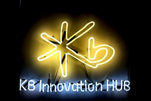 KB Innovation Hub Light